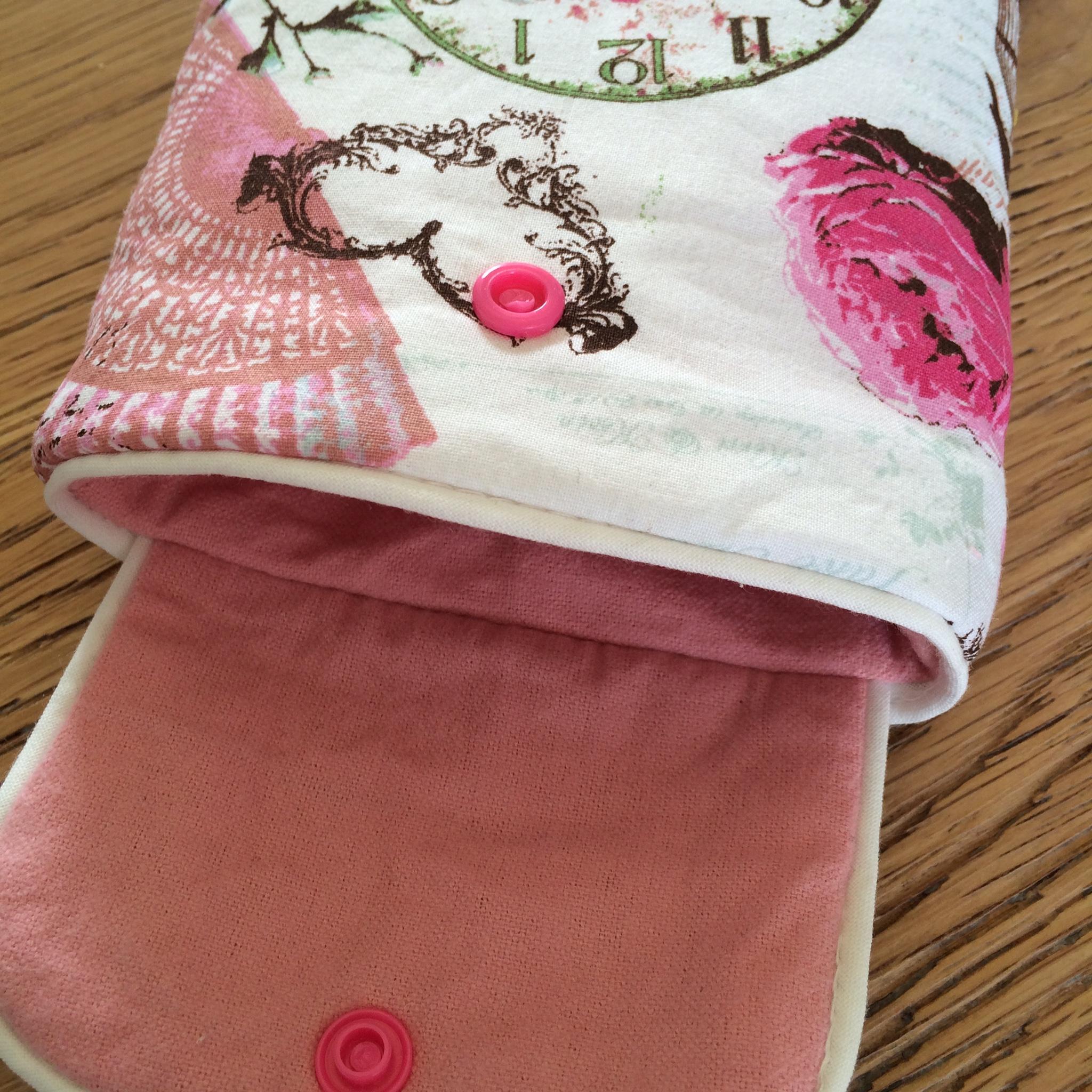 pochette pour tablette tactile disque dur externe mes petites lubies. Black Bedroom Furniture Sets. Home Design Ideas
